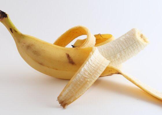 Banan - kto powinien go jeść, a kto unikać? Właściwości banana