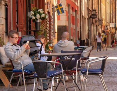 """<a href=""""https://zdrowie.wprost.pl/koronawirus/na-swiecie/10361222/szwedzki-model-walki-z-covid-19-jednak-skuteczny-spada-liczba-zakazen-w-norwegii-i-danii-wzrosty.html?utm_source=zdrowie.wprost.pl&utm_medium=feed&utm_campaign=rss"""">Szwedzki model walki z COVID-19 jednak skuteczny? Spada liczba zakażeń, w Norwegii i Danii wzrosty</a> thumbnail  7 objawów wskazujących, że mogłeś mieć COVID-19 – nie zdając sobie z tego sprawy 478fccf4e9545c5f1498f3fc19bc"""
