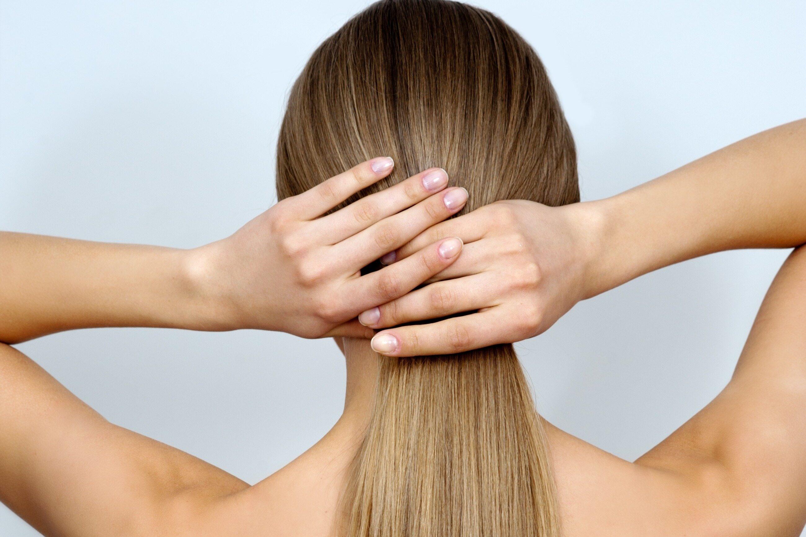 wypadanie włosów razem z cebulkami